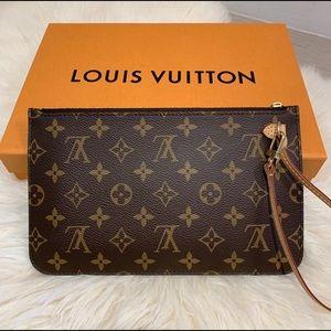 Louis Vuitton 2019 Monogram Wristlet Pouch Beige